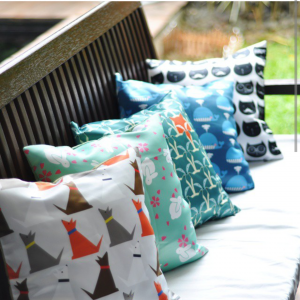 Print kain untuk bantal sofa / throw pillow